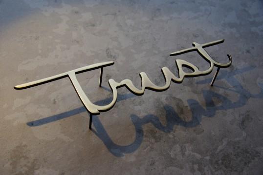真鍮サイン